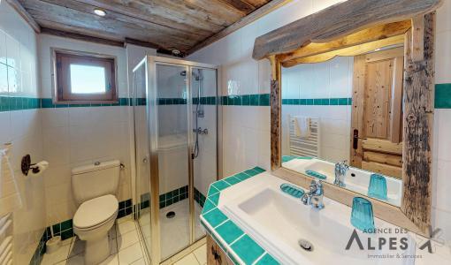 Rent in ski resort 8 room triplex chalet 16 people - Chalet Nécou - Les Menuires - Apartment