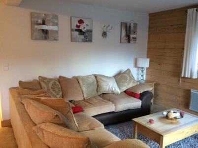 Location au ski Appartement 4 pièces 6 personnes (B4) - Chalets Du Doron - Les Menuires - Canapé