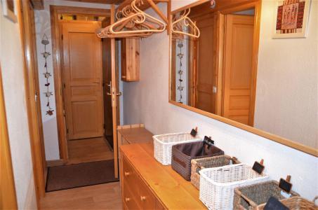 Location au ski Appartement 3 pièces mezzanine 6 personnes (B1 35) - La Residence Asters - Les Menuires - Chambre