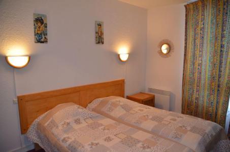 Location au ski Appartement 2 pièces 5 personnes (201) - La Résidence Caron - Les Menuires