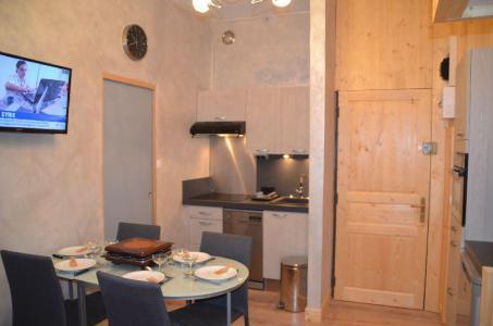 Location au ski Appartement 2 pièces 4 personnes (1320) - La Résidence Caron - Les Menuires - Appartement