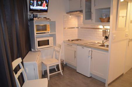Location au ski Studio 2 personnes (323) - La Résidence Caron - Les Menuires - Appartement