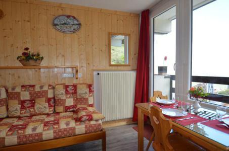 Location au ski Studio 2 personnes (531) - La Residence Chaviere - Les Menuires - Tv