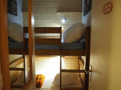 Location au ski Studio cabine 4 personnes (329) - La Residence Les Asters - Les Menuires - Lits superposés