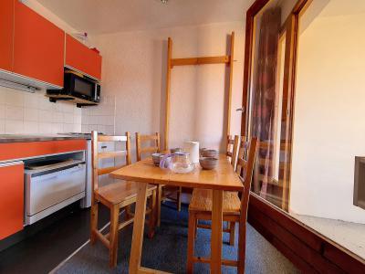 Location au ski Studio 3 personnes (050) - La Residence Les Carlines - Les Menuires - Kitchenette