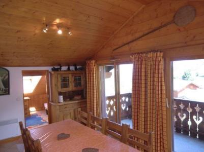 Location au ski Appartement 5 pièces 9 personnes (10) - Le Hameau Des Marmottes - Les Menuires - Porte-fenêtre donnant sur balcon