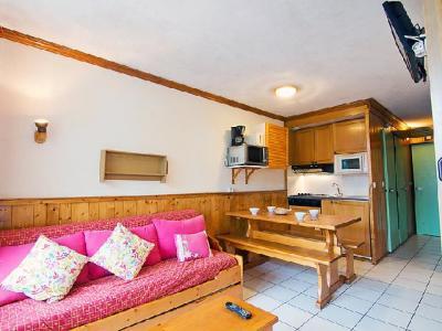 Rent in ski resort 2 room apartment 6 people (6) - Le Villaret - Les Menuires - Living room