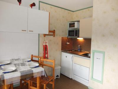 Rent in ski resort 1 room apartment 4 people (26) - Les Asters - Les Menuires - Apartment