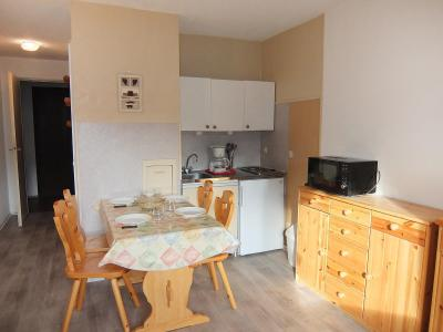 Rent in ski resort 1 room apartment 4 people (31) - Les Asters - Les Menuires - Apartment