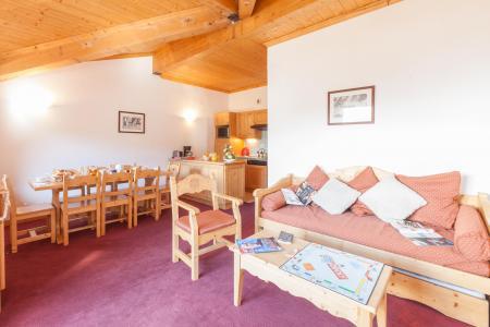 Location au ski Les Chalets de l'Adonis - Les Menuires - Banquette-lit