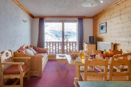 Location au ski Les Chalets de l'Adonis - Les Menuires - Porte-fenêtre donnant sur balcon