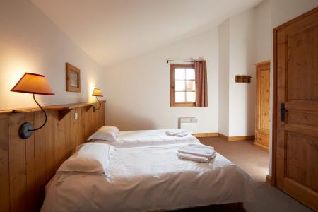 Location au ski Les Chalets Du Soleil Authentiques - Les Menuires - Chambre