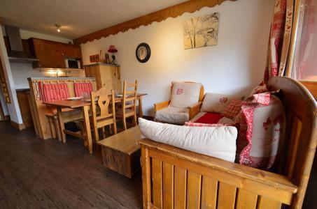 Skiverleih 2-Zimmer-Holzhütte für 4 Personen (202) - Les Côtes d'Or Chalet Argentière - Les Menuires - Wohnzimmer