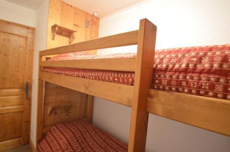 Location au ski Appartement 4 pièces 8 personnes (323) - Les Côtes d'Or Chalet Courmayeur - Les Menuires - Chambre