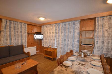 Location au ski Appartement 4 pièces 8 personnes (323) - Les Côtes d'Or Chalet Courmayeur - Les Menuires - Séjour