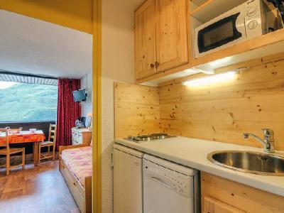 Rent in ski resort 1 room apartment 3 people (2) - Pelvoux - Les Menuires - Apartment