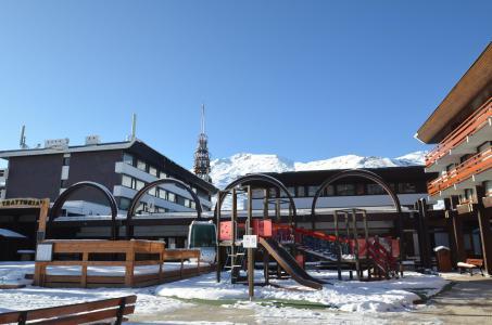 Location au ski Studio 4 personnes (14) - Residence Beaufortain - Les Menuires - Extérieur hiver