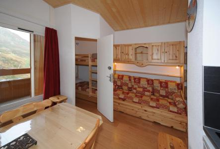 Location au ski Studio cabine 4 personnes (081) - Residence Carlines Ii - Les Menuires