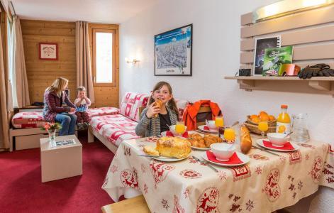 Alquiler al esquí Résidence Chanteneige Croisette - Les Menuires - Comedor
