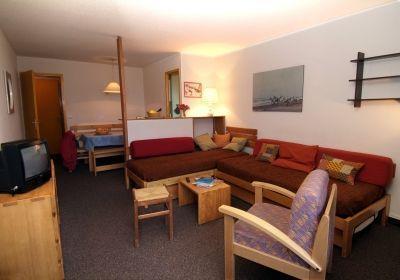 Location au ski Studio 4 personnes - Residence Chanteneige Croisette - Les Menuires - Banquette