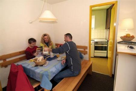Location au ski Studio 4 personnes - Residence Chanteneige Croisette - Les Menuires - Coin repas