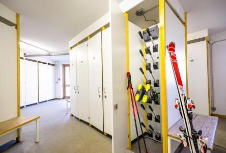 Rent in ski resort Résidence Club MMV le Coeur des Loges - Les Menuires - Ski locker