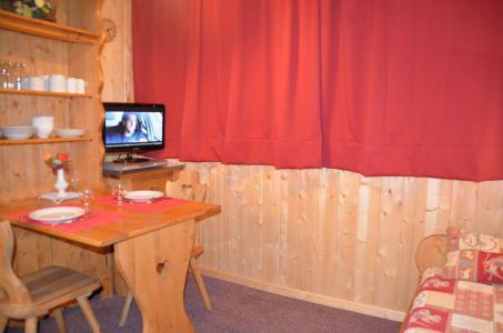Location au ski Studio 2 personnes (645) - Residence Combes - Les Menuires - Table
