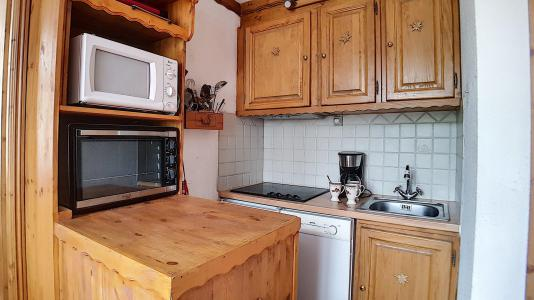 Rent in ski resort 2 room apartment 4 people (322) - Résidence de Caron - Les Menuires - Kitchenette