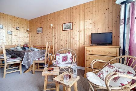 Rent in ski resort 2 room apartment 6 people (AL0404) - Résidence des Alpages - Les Menuires - Living room