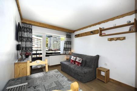 Location au ski Studio 2 personnes (056) - Residence L'oisans - Les Menuires - Canapé