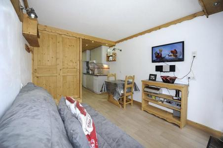 Location au ski Studio 2 personnes (056) - Residence L'oisans - Les Menuires - Tv