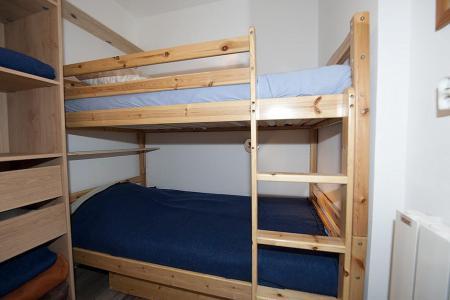 Rent in ski resort 3 room apartment 8 people (4344) - Résidence la Biellaz - Les Menuires - Bunk beds