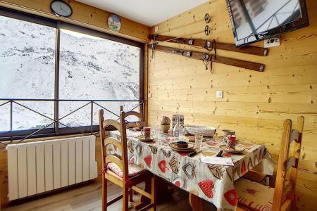Rent in ski resort 3 room apartment 8 people (4344) - Résidence la Biellaz - Les Menuires - Table