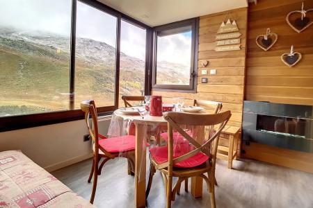 Rent in ski resort Studio sleeping corner 4 people (54) - Résidence la Biellaz - Les Menuires - BZ-sofa