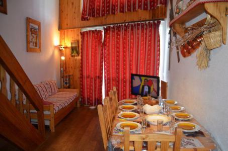 Location au ski Appartement 3 pièces mezzanine 8 personnes (1009) - Residence La Grande Masse - Les Menuires - Table