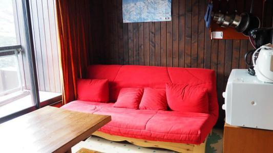 Location au ski Studio 4 personnes (047) - Résidence le Génépi - Les Menuires - Canapé