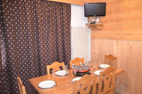 Location au ski Appartement 2 pièces 6 personnes (B53) - Residence Le Jettay - Les Menuires - Table
