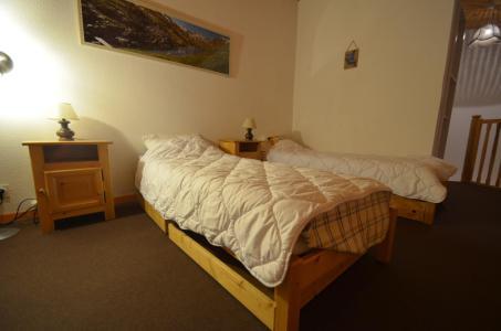 Location au ski Appartement 3 pièces mezzanine 7 personnes (C143) - Résidence le Jettay - Les Menuires - Chambre