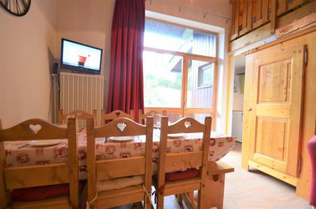 Location au ski Appartement 3 pièces mezzanine 7 personnes (C143) - Résidence le Jettay - Les Menuires - Séjour