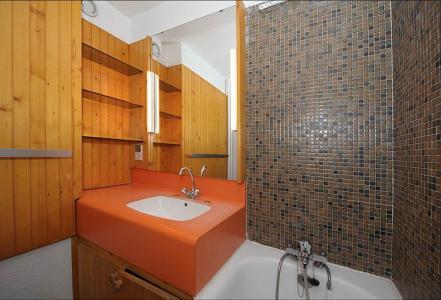 Rent in ski resort Studio 4 people (LC0111) - Résidence le Lac du Lou - Les Menuires
