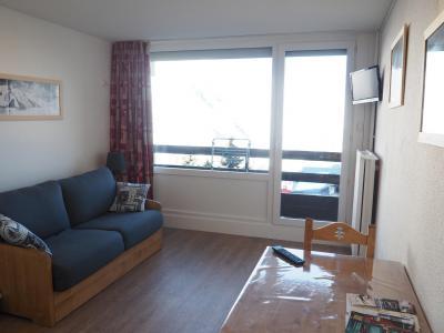 Rent in ski resort Studio 2 people (LC0037) - Résidence le Lac du Lou - Les Menuires - Apartment