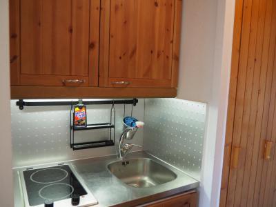 Rent in ski resort Studio 2 people (LC0039) - Résidence le Lac du Lou - Les Menuires - Apartment