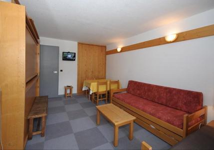 Rent in ski resort Studio 4 people (LC0111) - Résidence le Lac du Lou - Les Menuires - Living area