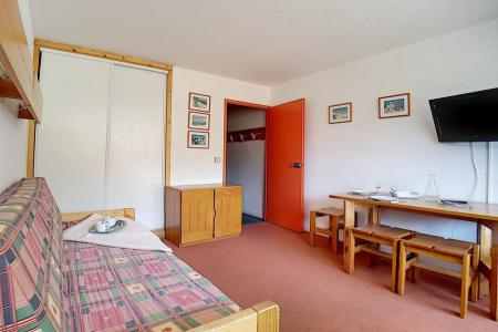 Rent in ski resort Studio 4 people (LC0508) - Résidence le Lac du Lou - Les Menuires - Living room