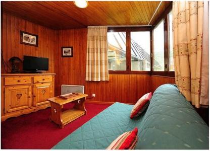 Location au ski Appartement 2 pièces cabine 6 personnes (211) - Residence Le Sorbier - Les Menuires - Canapé