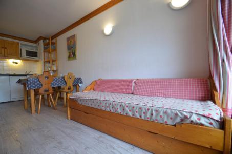 Location au ski Appartement 2 pièces 4 personnes (506) - Résidence le Valmont - Les Menuires - Banquette-lit