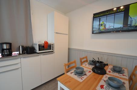 Location au ski Studio cabine 4 personnes (114) - Résidence le Villaret - Les Menuires - Cuisine
