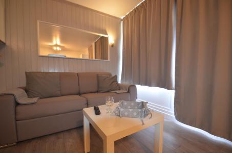 Location au ski Studio cabine 4 personnes (114) - Résidence le Villaret - Les Menuires - Séjour