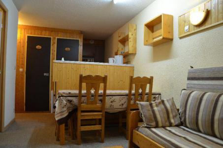 Location au ski Studio cabine 4 personnes (426) - Résidence le Villaret - Les Menuires - Appartement
