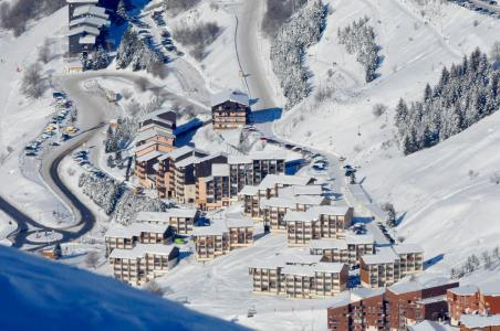 Rent in ski resort Résidence les Asters C6 - Les Menuires - Winter outside